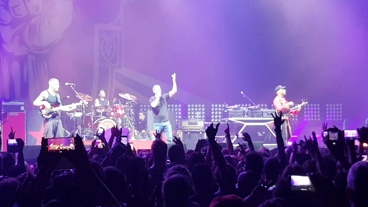 Watch: Serj Tankian joins Audioslave members to honor Chris Cornell