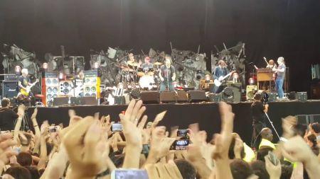Watch: Eddie Vedder soaks himself in wine during Pearl Jam 'Rockin' in the Free World' cover