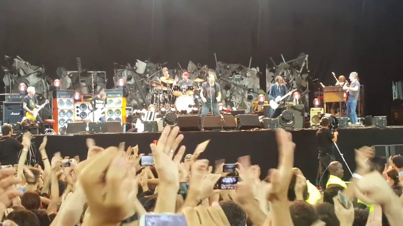 Watch: Eddie Vedder soaks himself in wine during Pearl Jam 'Rockin' in the Free World' cover