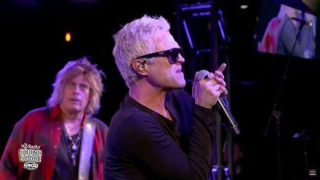 Watch: Stone Temple Pilots perform single 'Meadow' in Los Angeles