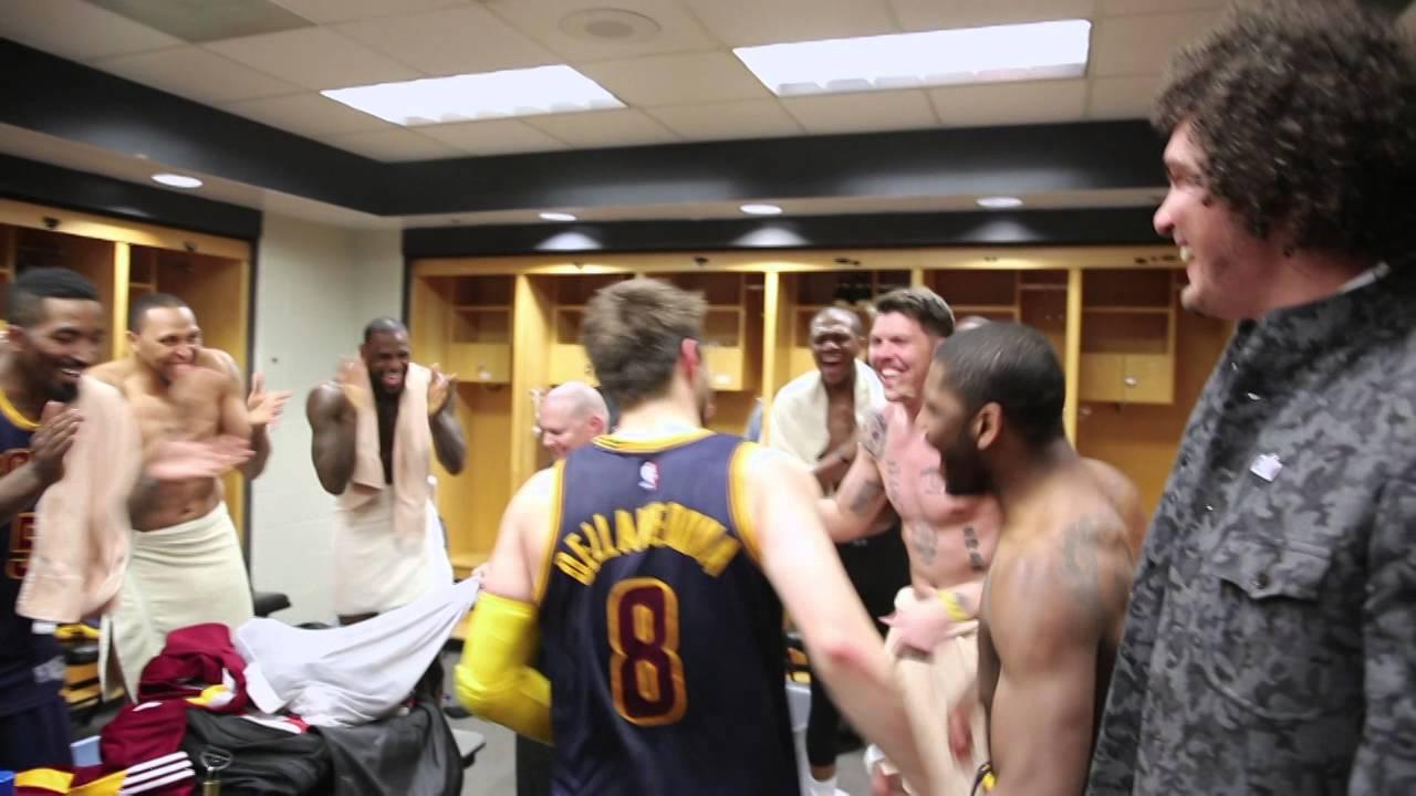 Matthew Dellavedova latest to return to Milwaukee Bucks