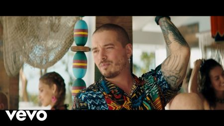 J Balvin gets curved in tropical 'Ambiente' music video