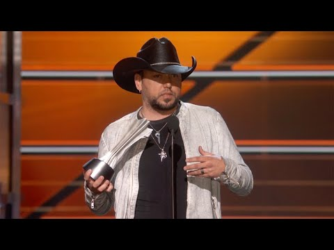 Jason Aldean wins Entertainer of the Year at the 2018 ACM Awards