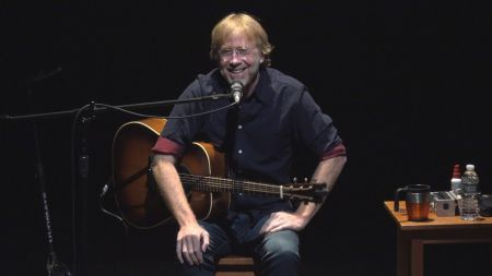 Phish frontman Trey Anastasio reveals plans for solo acoustic tour