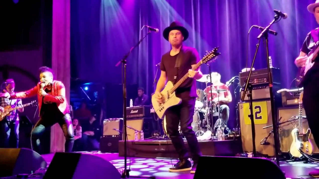 Watch: Grunge pioneers Mother Love Bone reunite for first show in 8 years
