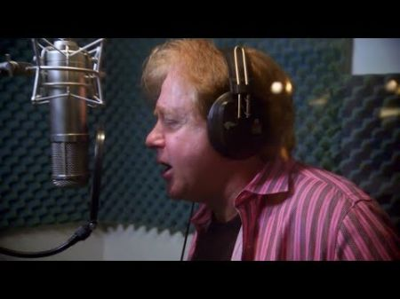 Sneak peek: Eddie Money surprises wife Laurie with a song on 'Real Money' May 13 on AXS TV