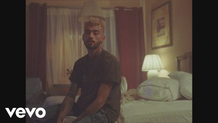 Watch: Zayn romances a stripper in 'Entertainer' video
