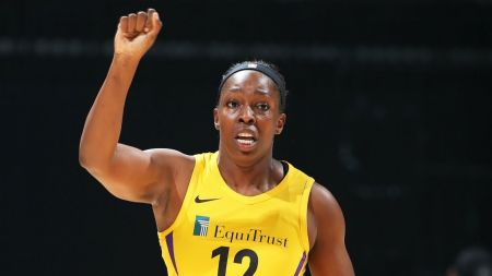 Los Angeles Sparks beat Minnesota Lynx in thrilling season opener