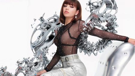 Charli XCX drops new song '5 in the Morning'