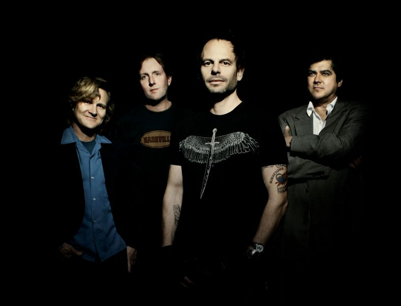 Interview Gin Blossoms Scotty Johnson Talks Tour New Tunes Axs
