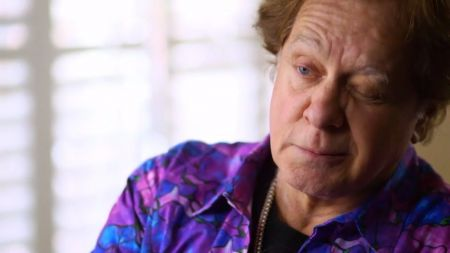 Sneak peek: Eddie Money and family race to the finish line on 'Real Money' June 3 on AXS TV