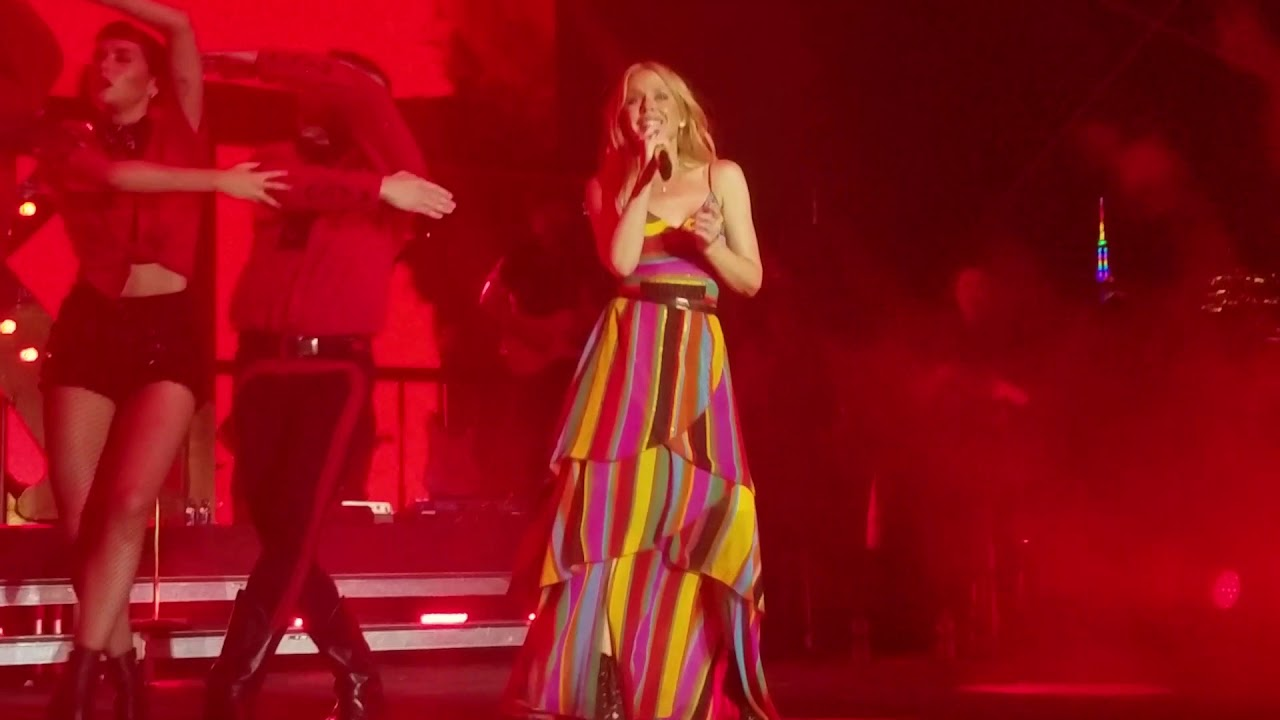 Kylie Minogue stays 'Golden' during rainy New York City Pride Island show
