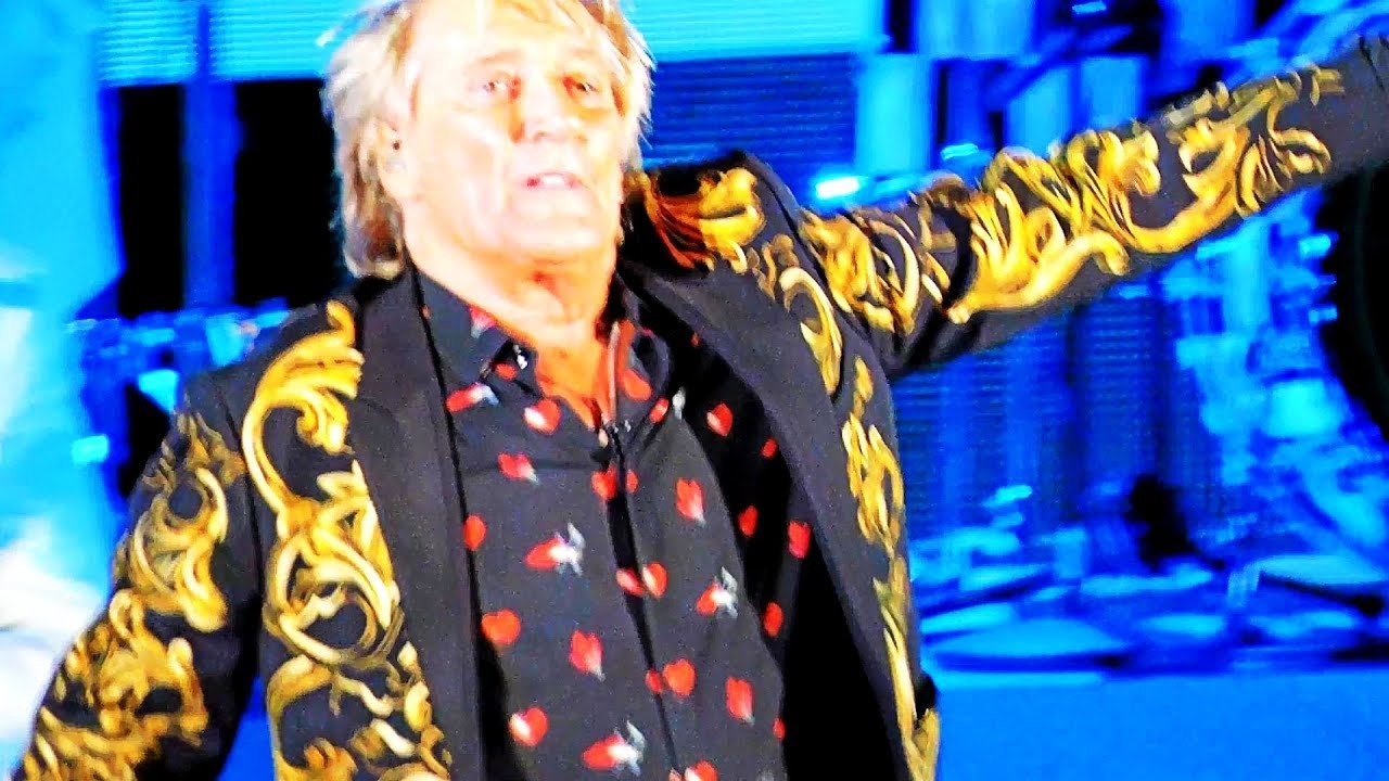 Watch: Rod Stewart performs 'Infatuation' at US tour launch in Los Angeles