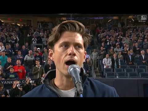 Aaron Tveit gets high praise for US national anthem performance