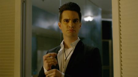 Panic! at the Disco's 'Pray for the Wicked' enters charts at No. 1