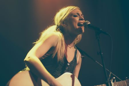 Interview: Singer-Songwriter Emily Kinney discusses her beautiful new album, 'Oh, Jonathan'