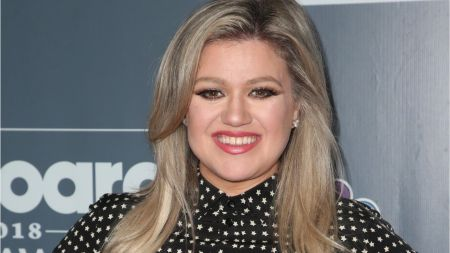 Kelly Clarkson will star in and record original songs for animated film 'UglyDolls'