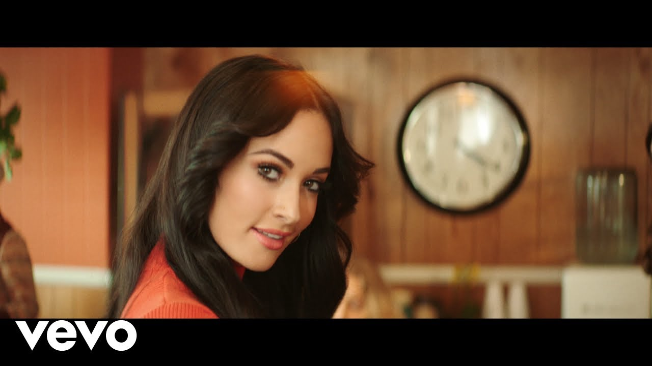 Kacey Musgraves releases retro video for 'Golden Hour' single 'High Horse': Watch