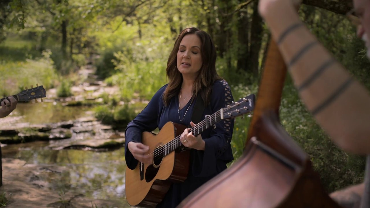 Lori McKenna is quietly powerful on the new album 'The Tree'