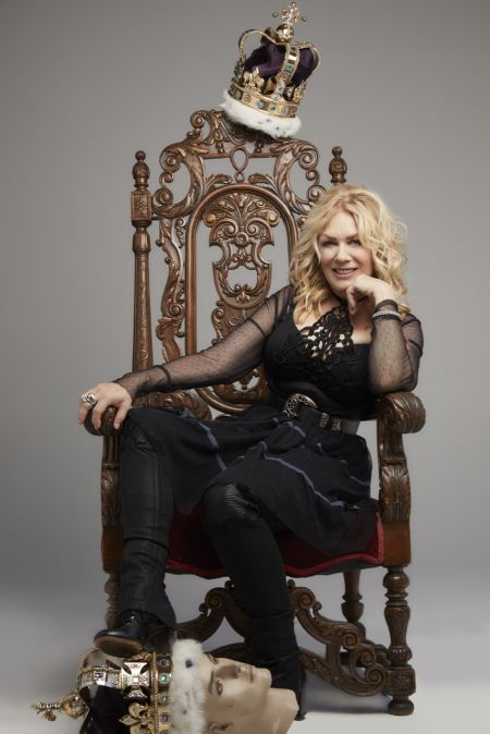 Interview: Nancy Wilson discusses new Roadcase Royale Tour