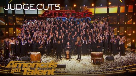 'America's Got Talent' season 13, episode 8 recap: Close up magic and a Golden Buzzer-winning choir own the night