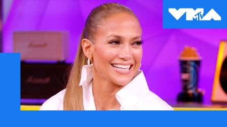 Jennifer Lopez will receive Michael Jackson Video Vanguard Award at 2018 MTV VMAs