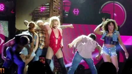Britney Spears is a real 'put-on-a-show kind of girl' with Piece of Me Tour in Florida