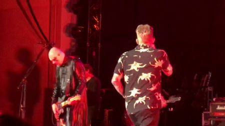 Watch: The Smashing Pumpkins cover Sugar Ray's 'Fly' alongside Mark McGrath