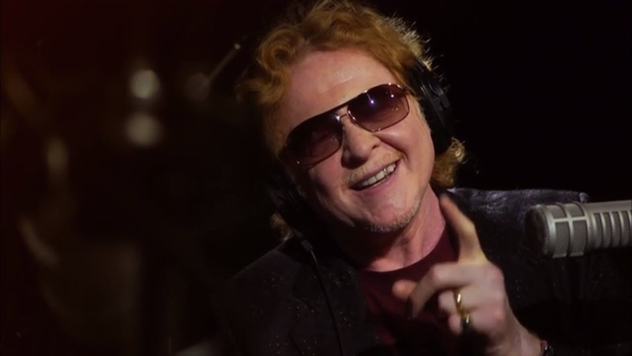 Sneak preview: Mick Hucknall shares inspiration behind his flashy grin on 'The Ronnie Wood Show' Aug. 8 on AXS TV
