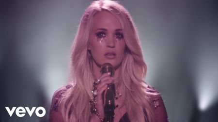 Carrie Underwood announces The Cry Pretty Tour 360 for 2019