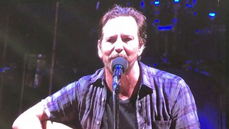 Watch: Pearl Jam cover The White Stripes at hometown show