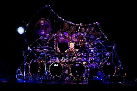 Terry Bozzio with world's largest tuned drum set