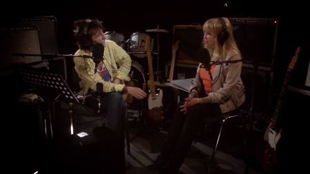 Sneak peek: Ronnie Wood talks 'great times' with Pattie Boyd on 'The Ronnie Wood Show' season finale airing Aug. 15 on A