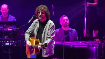 Review: Jeff Lynne's ELO makes magical return to Madison Square Garden after 40 years