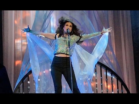 Idina Menzel releasing 'Idina: Live' album ahead of tour with Josh Groban