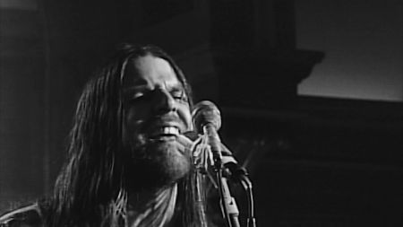 Interview: Jonathan Wilson sheds Laurel Canyon sound for expansive, cosmic vibe