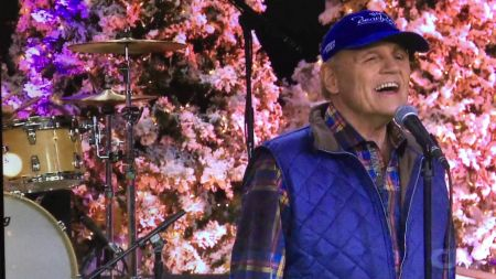 Mike Love of The Beach Boys to release Christmas album 'Reason for the Season'