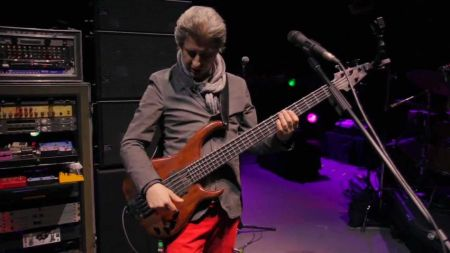 Phish's Mike Gordon spotted acting on set of 'Broad City'
