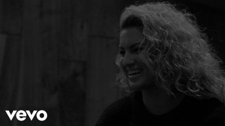 Tori Kelly scores first Top Gospel Albums chart-topper with 'Hiding Place'