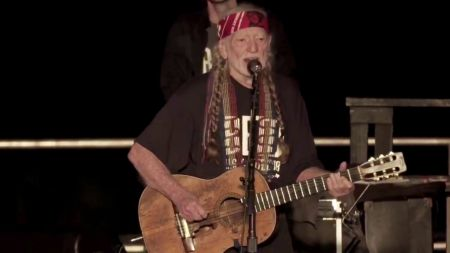 Willie Nelson debuts new song 'Vote 'Em Out' at Beto O'Rourke rally