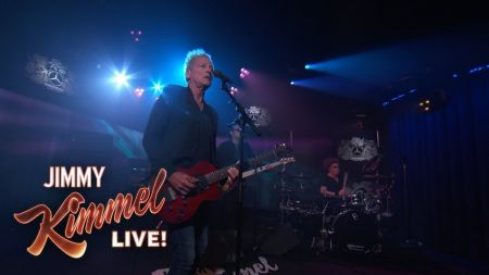 Watch: Lindsey Buckingham dusts off solo tunes on 'Jimmy Kimmel Live'