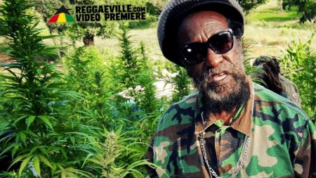 Interview: Duckie Simpson of Black Uhuru says 'I'm true to myself'