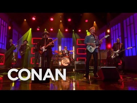 Watch: Conan O'Brien joins house band for Chuck Berry cover during final performance