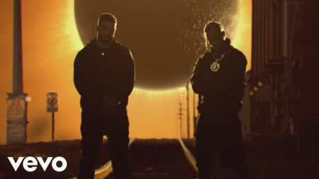 Travis Scott and Drake premiere music video for 'Sicko Mode'
