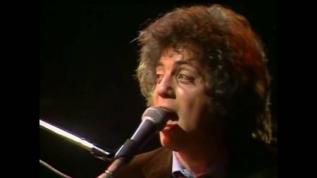 Watch: Billy Joel's riveting 1978 concert performance