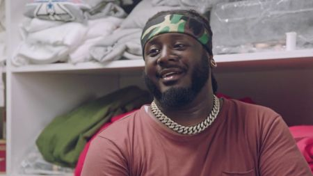 Exclusive clip: Watch T-Pain customize his own pair of luxury sneakers on 'T-Pain's School of Business'