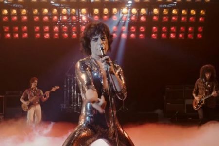 Review: In 'Bohemian Rhapsody,' Rami Malek is King of Queen