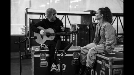 Watch: Ed Sheeran and Jess Glynne perform acoustic version of 'Thursday'