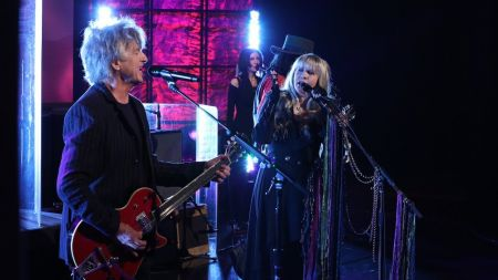 Fleetwood Mac adds 2019 tour dates in North America