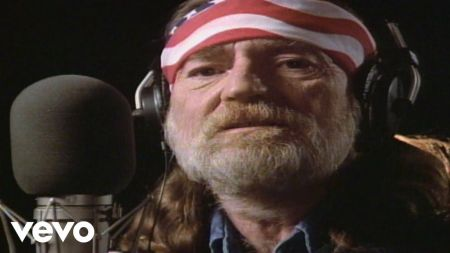 Willie Nelson announces 2018-19 tour in North America